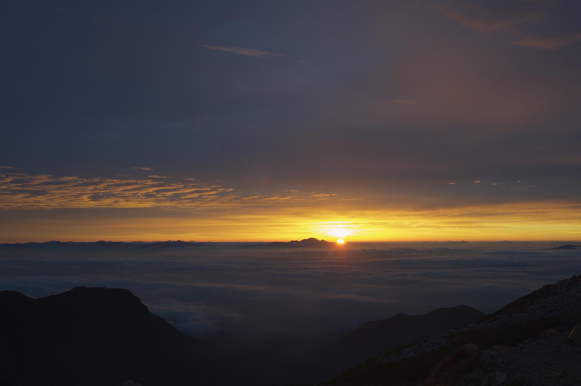 浅間山から朝日